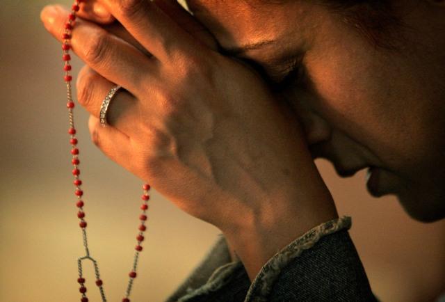Zwycięstwo modlitwy różańcowej na Filipinach